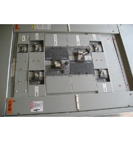 TABLERO Entelleon 480/277 V 3F 4H 30 CIRC. INT. PRINCIPAL SKHA 600 A I-Line