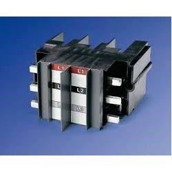 Herraje Trifasico para 2 interruptores XT3 para Tablero Panelboard